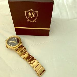Massimo Dutti gold ladies watch with black face